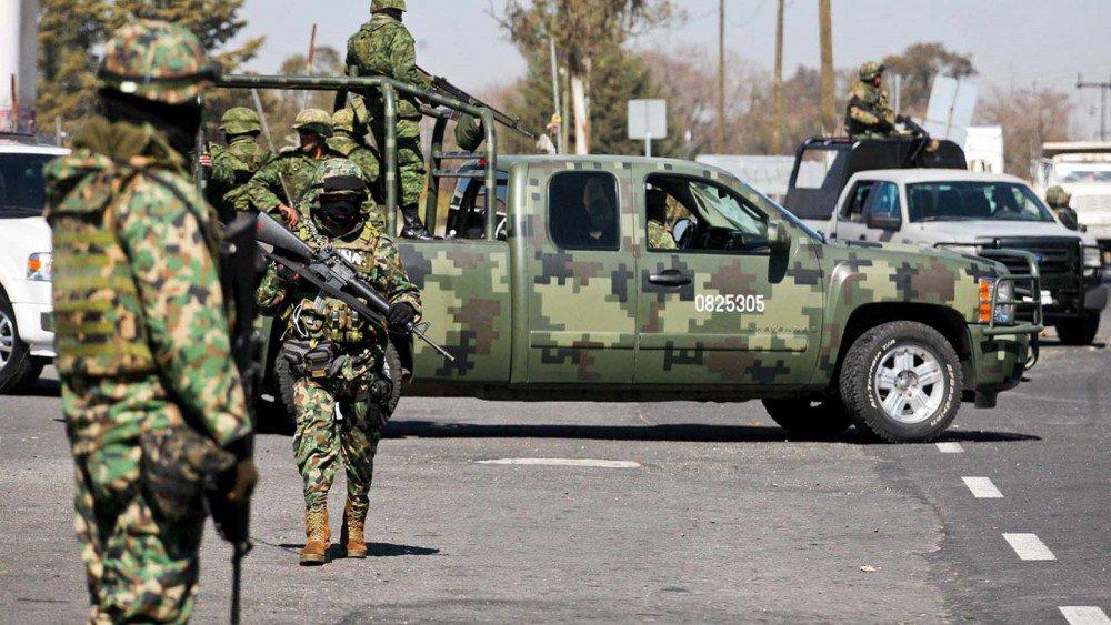 """SICARIOS """"EMPECHERADOS"""" y con """"CUERNOS DE CHIVO"""" se """"acalambraron"""", MILITARES en SINALOA"""