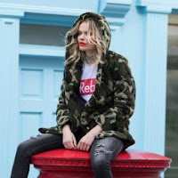 http://www.colourfulrebel.com/nl/erin-camo-teddy-coat-women