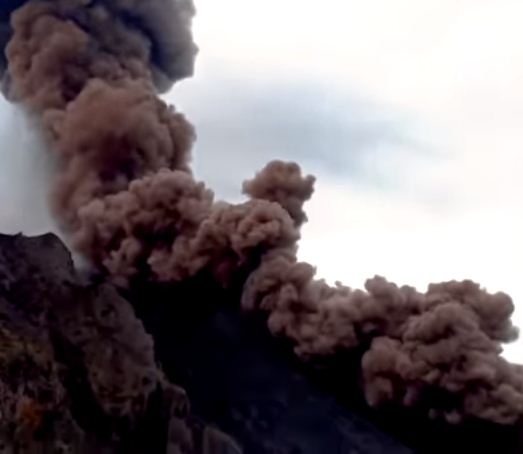 A massive eruption of Stromboli volcano in Italy for the second time in one year .. Video