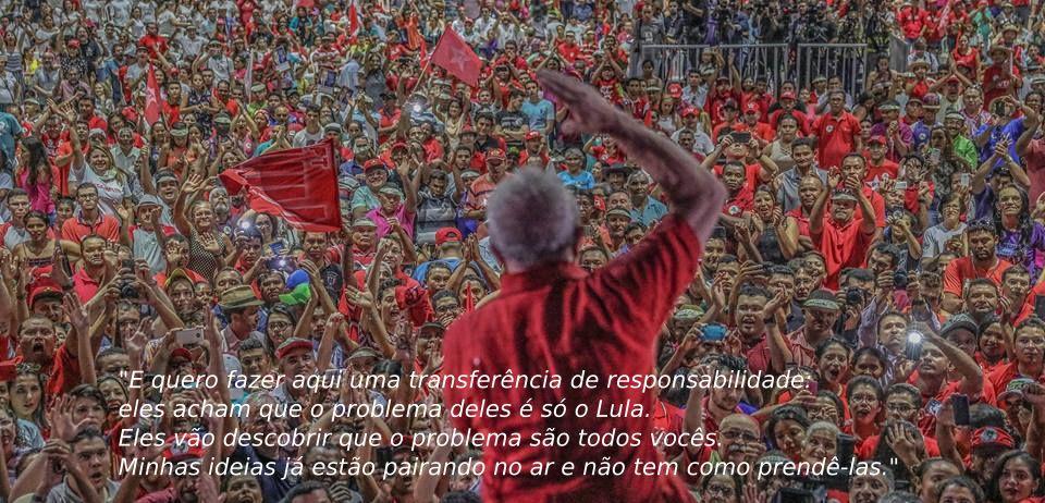 Lula discursando