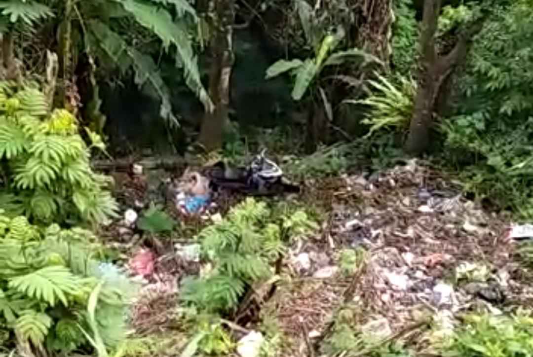 Pemotor Terperosok Masuk Jurang Lembah Koi Sedalam 20 Meter