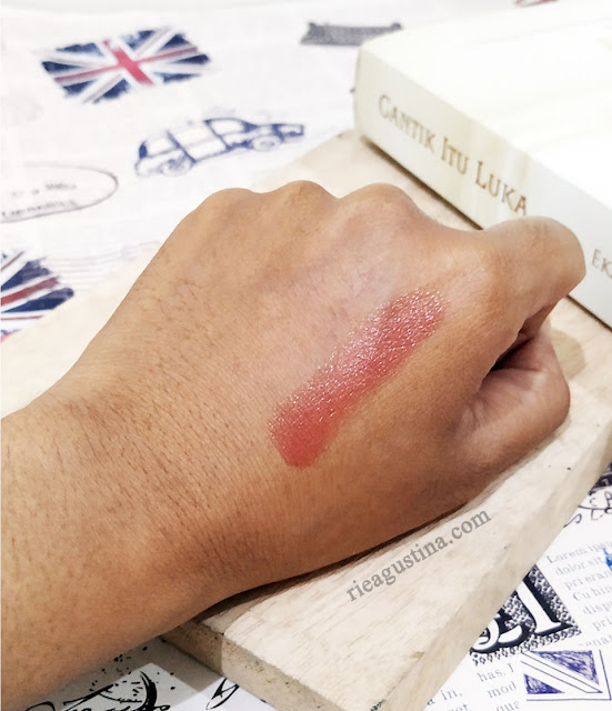 exotic-brown-nameera-lipstic