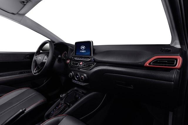 Novo Hyundai Hb20 2020 fotoso das versões hatch, seda e aventureira