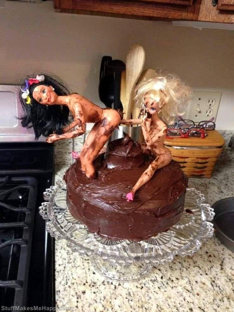 That's why you should never trust dad to bake his daughter's birthday cake