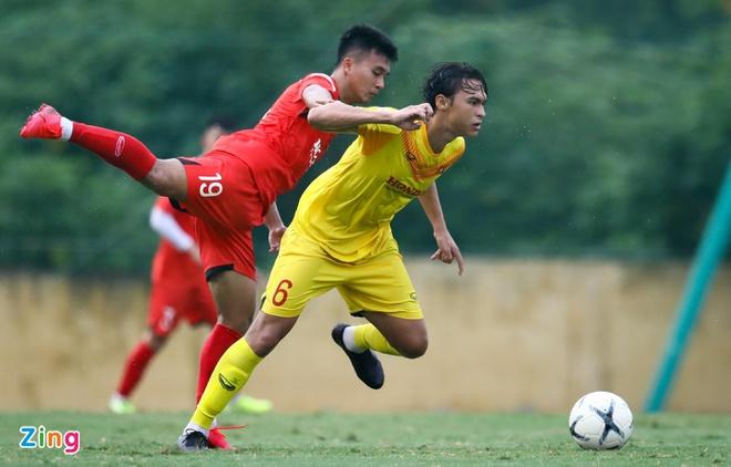 2 tuyển thủ U22 Việt Nam bị thay thế vào phút chót