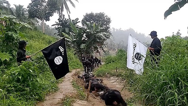 This video proves that ISIS infiltrated PH since 2015 but Aquino did nothing to stop it