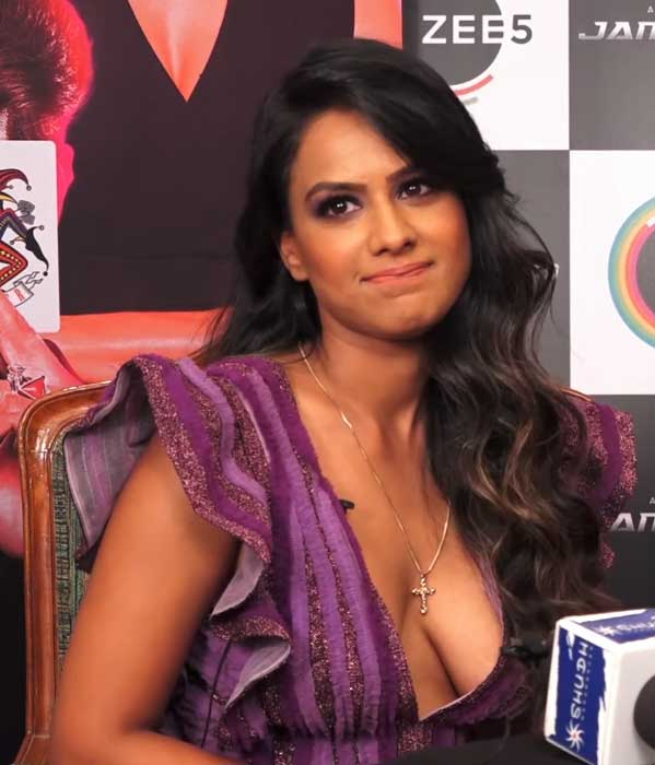 Nia Sharma Hot deep Cleavage, Nia Sharma Hot boobs