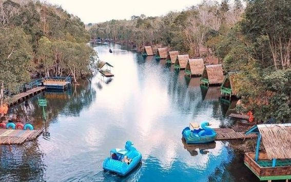 2. Objek Wisata Danau Shuji