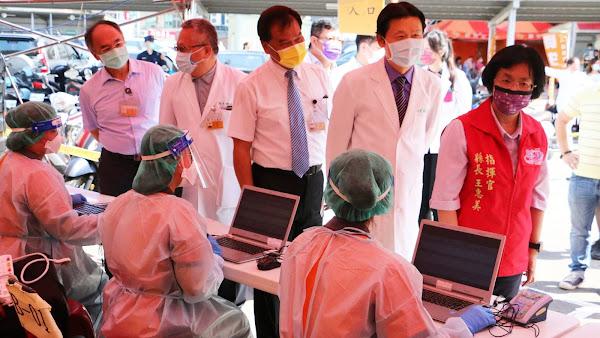 彰化批發市場造冊開打疫苗 關心視察員生醫院接種站