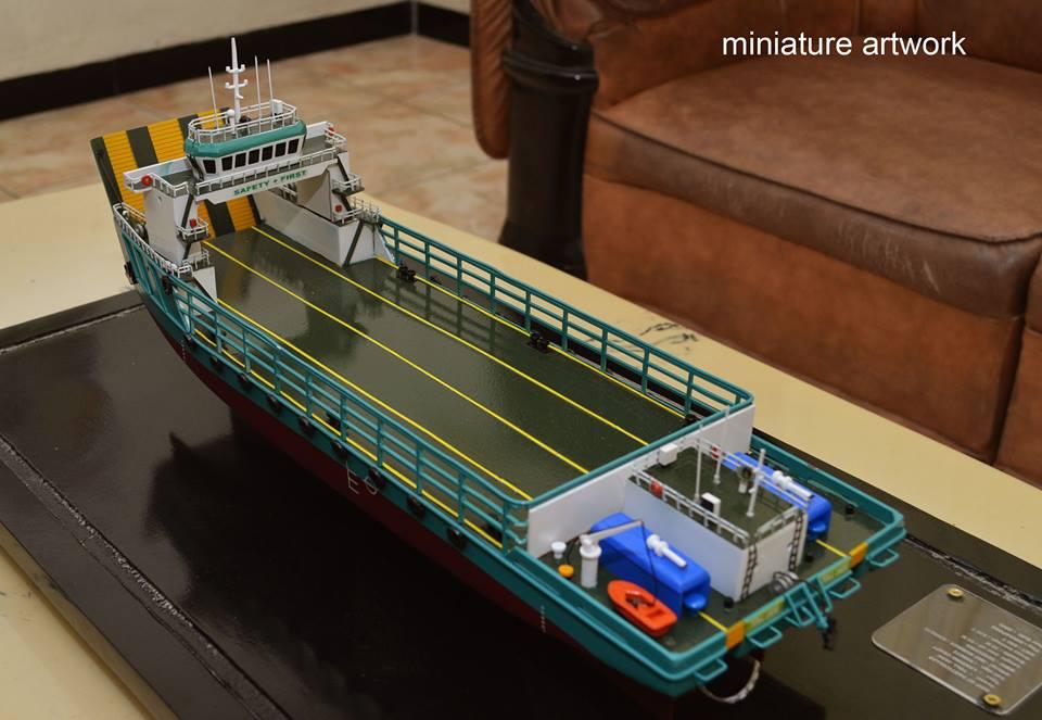 jual miniatur kapal lct toll jade general cargo ship milik perusahaan toll logistic asia ltd singapura murah