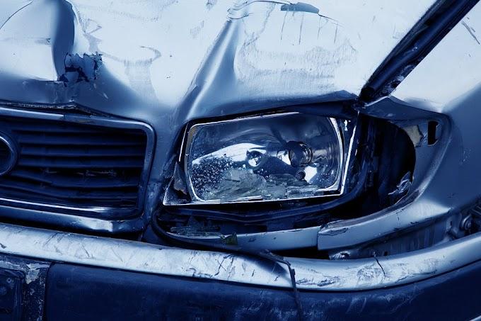 Teherautó és gépkocsi ütközött Eger és Kerecsend között