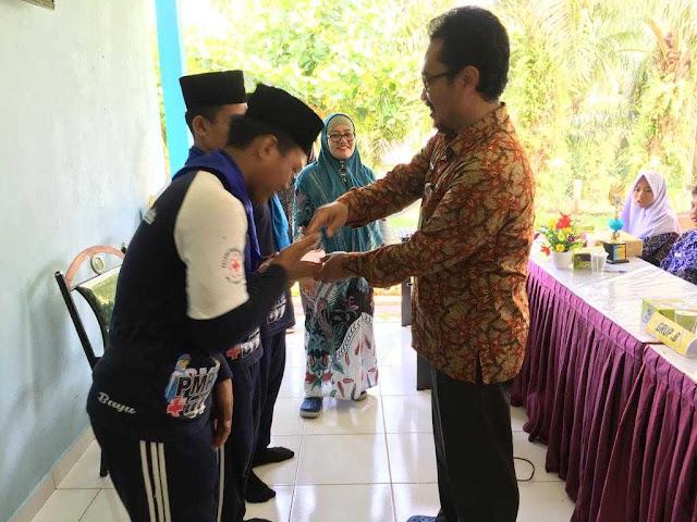 PMR MTs Nurul Huda Tandun Bawa 2 Piala Dari Puskesmas Tandun II