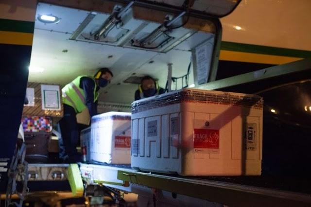 Pernambuco recebe lote com 136 mil doses de vacinas contra a Covid-19