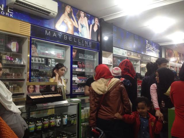 Toko Mahmud Bandung jual make up murah
