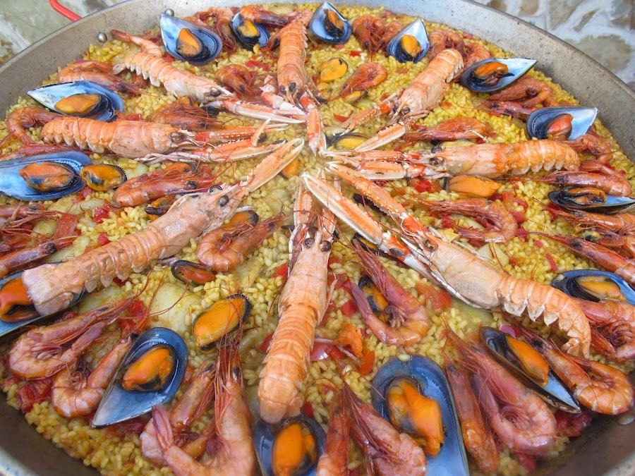 Paella de marisco paella valenciana de mariscos cocina for Recetas facilisimo