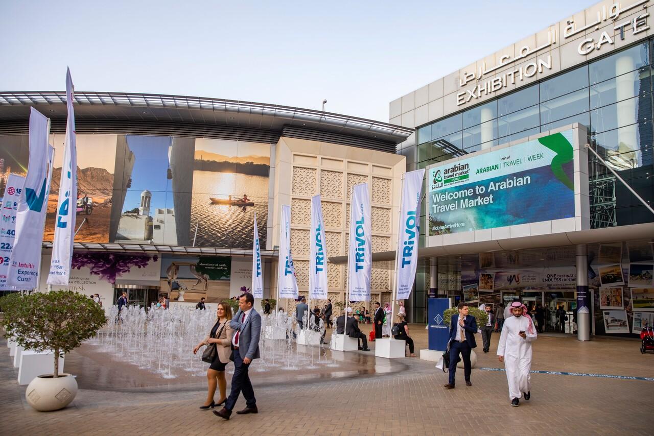 """""""السياحة من أجل مستقبل أكثر إشراقاً"""" تتألق في """"سوق السفر العربي 2021"""" بدبي"""