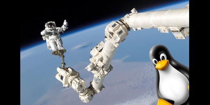 tux-is-my-astronaut.jpg