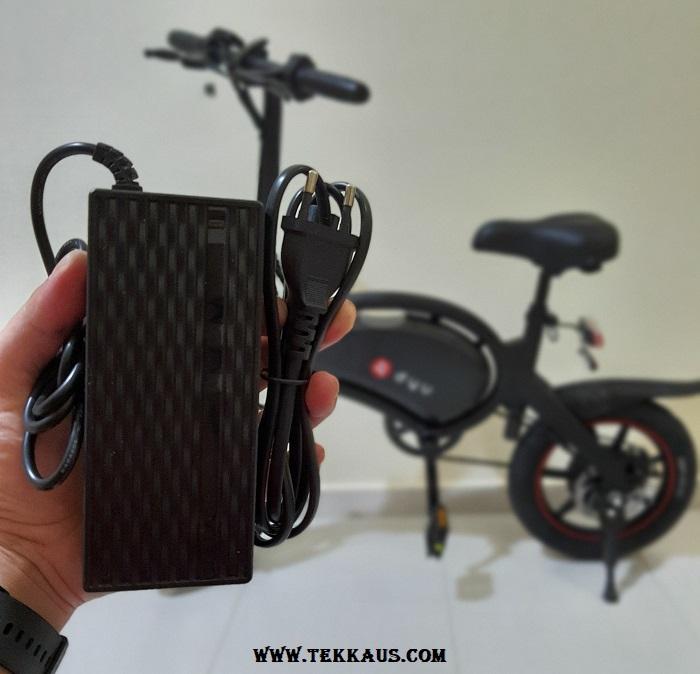 DYU D3+ Electric Bike Charger Battery