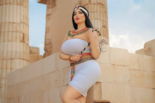 فتاة الزي الفرعوني تعمدت إثارة الجدل.. بصور مثيرة نشرتها