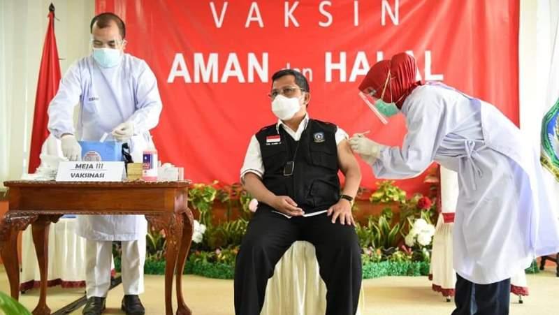 Wakili Pemprov Penyuntikan Vaksin COVID-19 Perdana di Kepri, Arif: Tidak Rasa Sakit