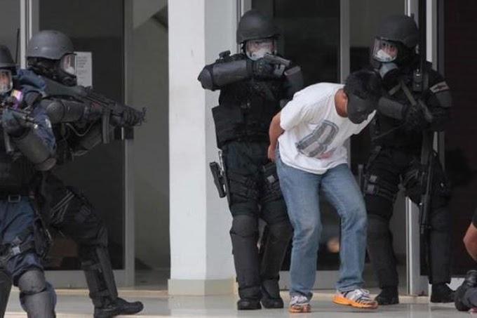 Bawa Pistol Mainan saat Shalat, Pria Stress Ini Bikin Geger Satu Jamaah Masjid