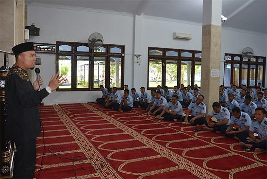 MAULID : Suasana Peringati Maulid Nabi Muhammad SAW. Foto Kapentak Danlanud Supadio