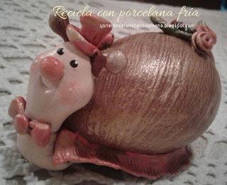 Concha-de-caracol-reciclado-con-porcelana-fría