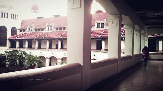 lawang-sewu-teras-balkoni