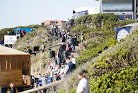45 Crowd Corona Open JBay foto WSL Kelly Cestari