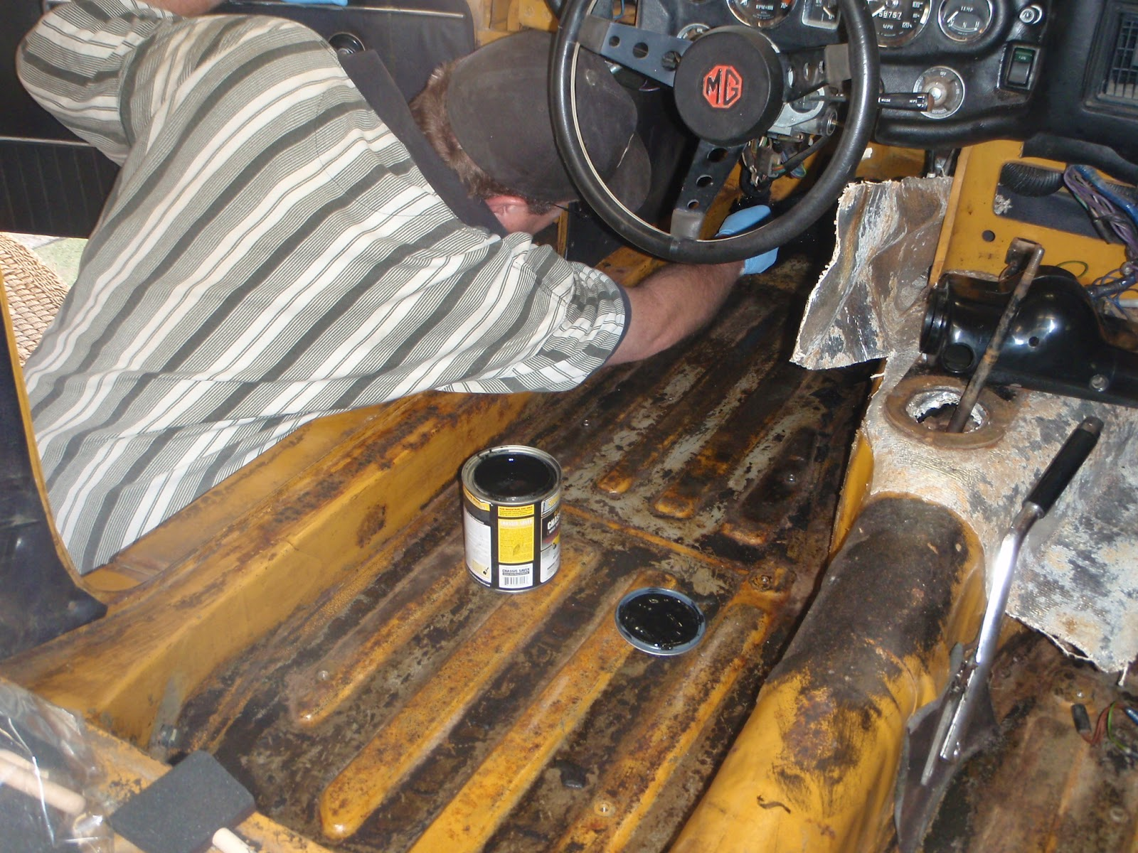 MGB in the Garage: Floor paint, carpets, lenses, etc
