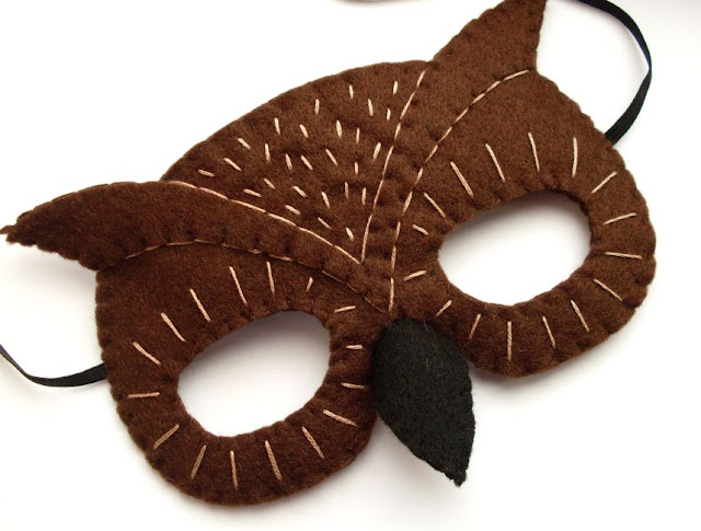 Sew a felt owl mask for Halloween!