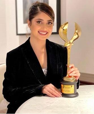 Sajal Aly Win the DIAFA award