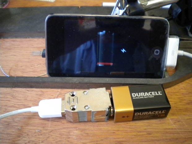 This Clever Way to Charge Your iPhone Without An Electrical Outlet is going VIRAL