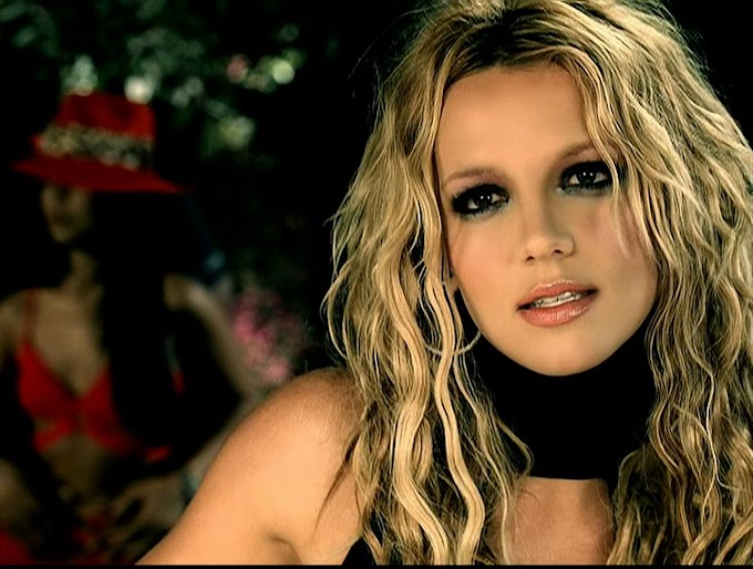 Britney Spears Feat. Pharrell - Boys (Scream & Shout Remix) (Piece Of Me Studio Version)