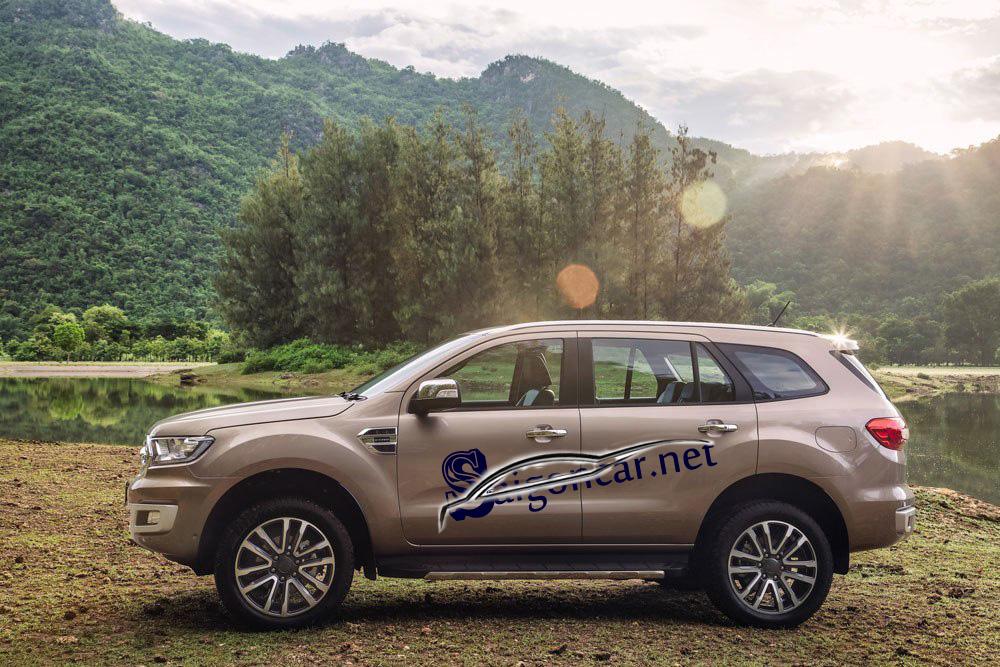 thân xe Ford Everest titanium 2019