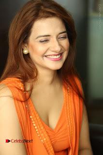 Actress Saloni Aswani Pos in Short Dress at Meelo Evaru Koteeswarudu Movie Interview  0045.JPG