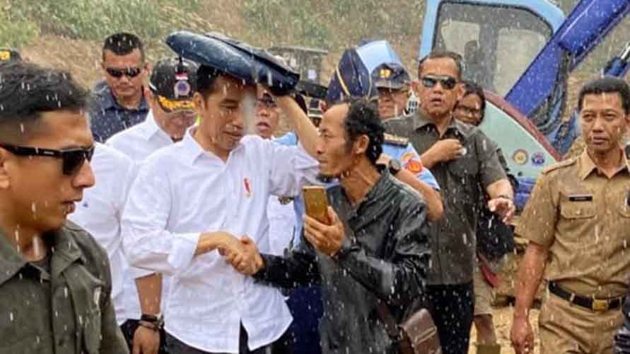 Jokowi salami warga