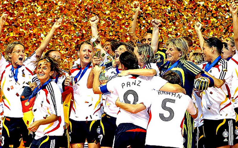 Seleção Alemã celebra o bi do mundo (dpa)