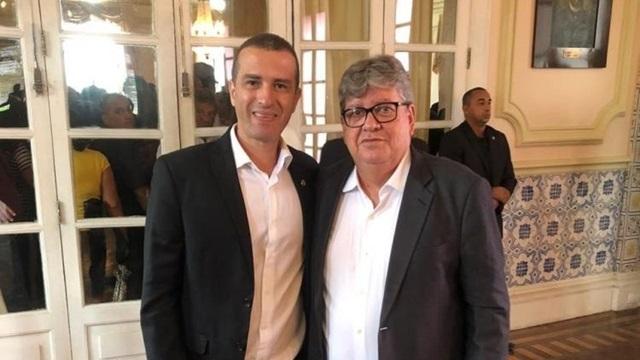 Deputado Érico Djan aponta demandas importantes para Patos, que foram colocadas em discussão com o governador João Azevedo.