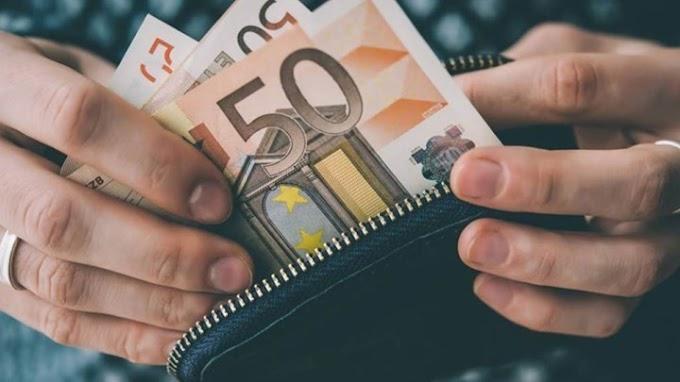 Εργοδότες εκβιάζουν τους εργαζομένους τους και ζητούν μέρος από τα 800 ευρώ