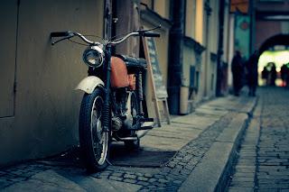 Gambar motor lawas oleh Pexels dari pixabay.com