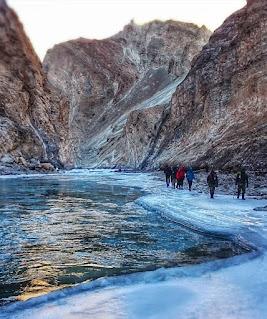 Places to visit in Jammu and kashmir (Chadar trek )