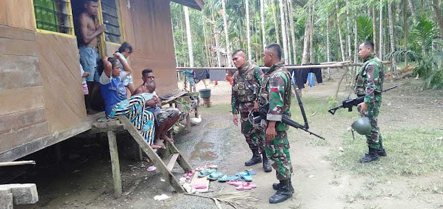 Tampung Keluhan Warga, Satgas Kostrad Laksanakan Anjangsana di Kampung Yabinggo