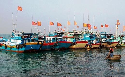 Một góc ở bến cảng đảo Lý Sơn.
