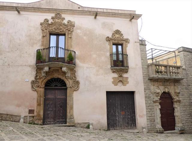 facciata palazzo nobiliare a Erice