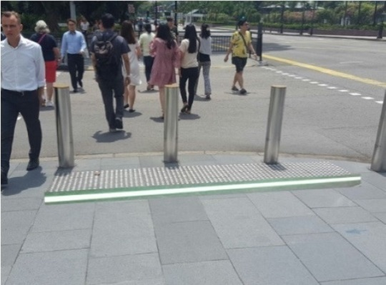 LTA trials flashing pavements at pedestrian crossings