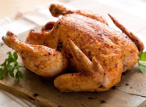 Berapa lama Anda mengasinkan ayam untuk hasil terbaik?