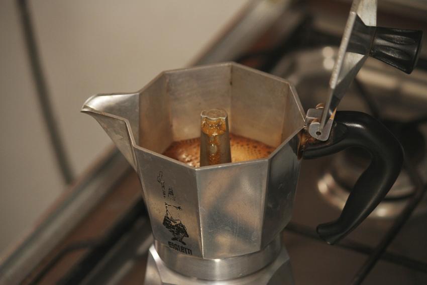 Jak zaparzyć dobrą kawę w kawiarce?