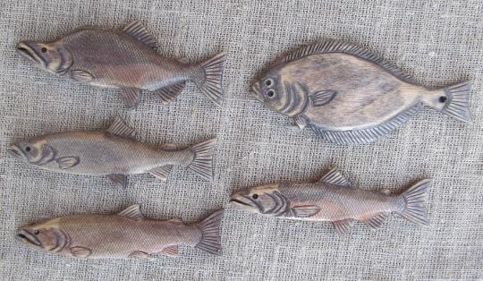 Деревянные рыбки-брелоки для ключей