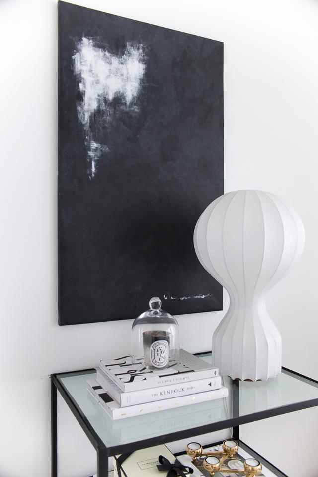 villa h, flos gatto, maalaus, mustavalkoinen taulu